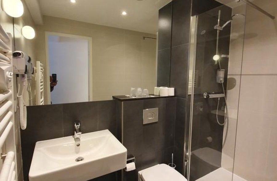salle-de-bain-superieure-sizel-477600-1600-1200