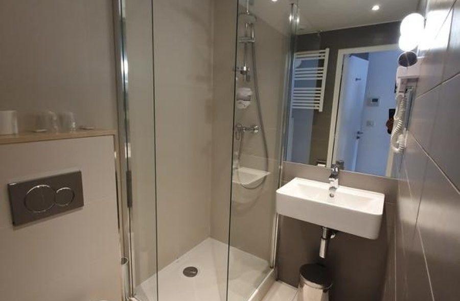 salle-de-bain-superieure-sizel-477602-1600-1200